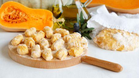 Ricette vegetariane: gli gnocchi di zucca e salvia