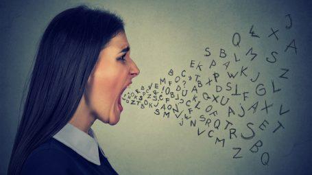 Maleducazione: come difendersi dalle persone cafone e aggressive