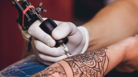Tatuaggi: quello che devi sapere per evitare sgradite sorprese