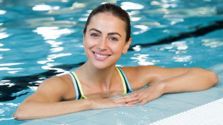Ginnastica in acqua: l'allenamento più fresco che ci sia
