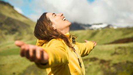 Vacanze in montagna: come preparare il beauty-case e abbronzarsi in sicurezza