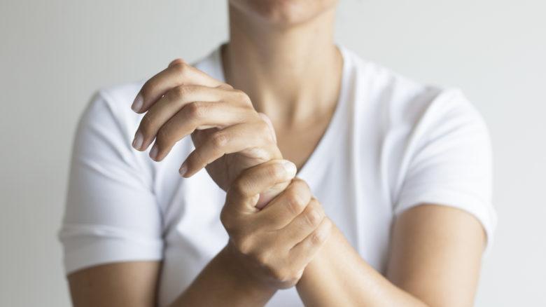 Sindrome del tunnel carpale: come riconoscerla, prevenirla e curarla