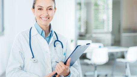 Camici rosa: se il primario di urologia è una donna
