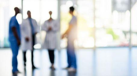 medici in corsia ospedale