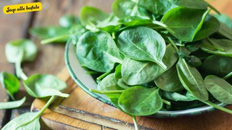 È vero che gli spinaci scaldati al microonde sono cancerogeni?