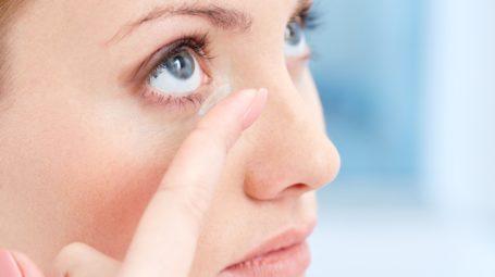 Lenti a contatto: come evitare le infezioni
