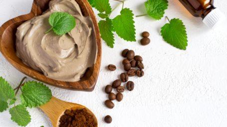 Pelle: gli ingredienti giusti (nei prodotti) che la idratano e la nutrono