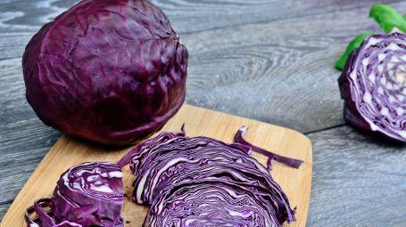 Dimagrisci con il cavolo viola: le proprietà e una ricetta