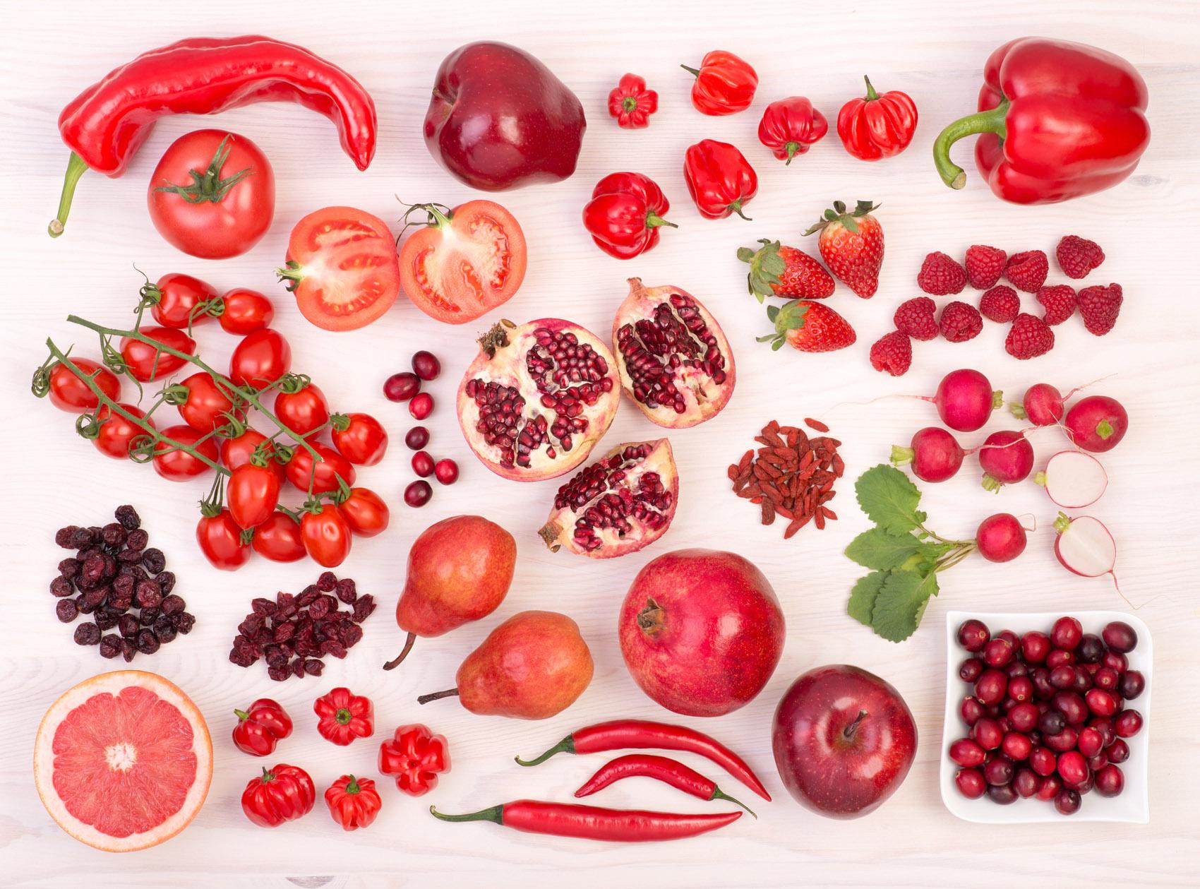 frutta e verdure rosse, melagrana, ciliegie