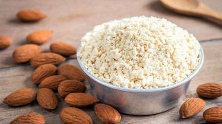 Farine di semi, frutta secca, ortaggi: perché fanno bene