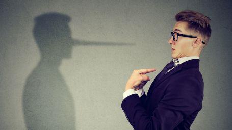Come riconoscere un bugiardo seriale