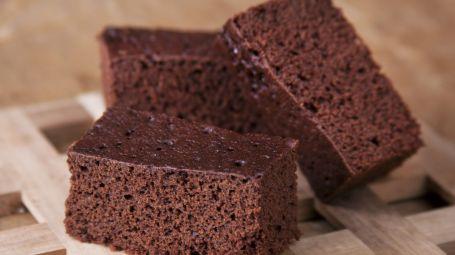 Torta di farina di castagne e cioccolato