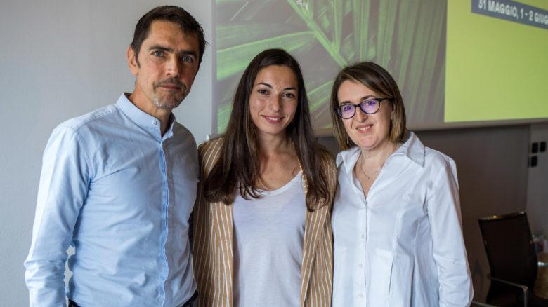 La campionessa del mondo di spada Mara Navarria tra il mental trainer Alessandro Vergendo e Sabrina Barbieri, il nostro vice direttore