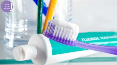 È vero che il dentifricio elimina acne e brufoli?
