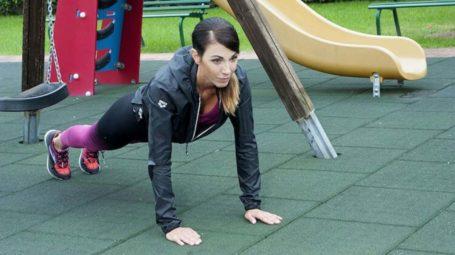 Workout con i burpee: 4 esercizi bruciagrassi