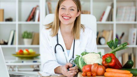Cibi acidi e alcalini, come mantenere il giusto pH: la dieta antiacida