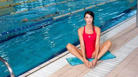 Nuoto, lo stretching perfetto per chi si allena in piscina
