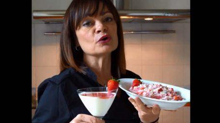 Succo di fragole fatto in casa: proprietà e ricette – Video