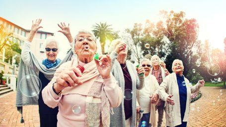 vecchiaia, anziane, divertimento