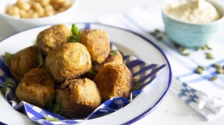 Ricette vegetariane: polpette di ceci al profumo di curcuma