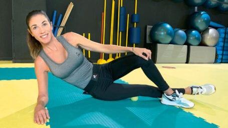 L'automassaggio con la pallina da tennis per sciogliere le tensioni muscolari