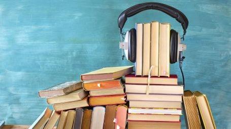 Ascoltare un audiolibro è bello come leggere un libro