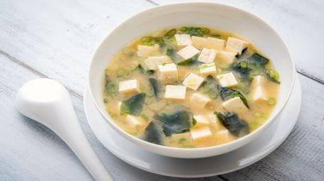 Ricette vegetariane e vegane: la zuppa di miso