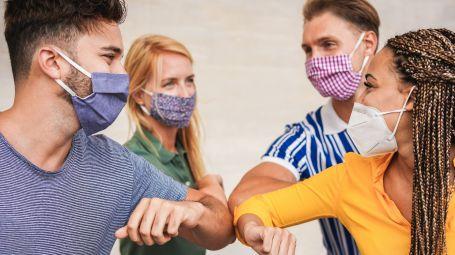 Come cambia la comunicazione con la mascherina