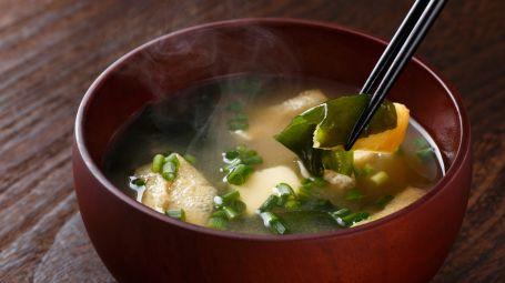 Ricette vegane: zuppa di alghe wakame
