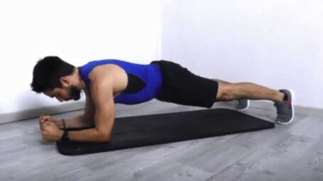 Plank addominali, l'esecuzione corretta – Video