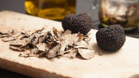 Antiage: funghi e tartufi contro l'invecchiamento della pelle